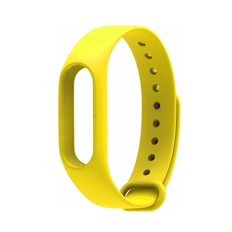 Ремешок силиконовый для MiBand 2 ЖелтыйРемешки<br>Разноцветные ремешки из гипоаллергенного силикона для MiBand 2 добавят индивидуальности владельцу, так как фитнес трекер поставляется по умолчанию исключительно с черным ремешком<br>
