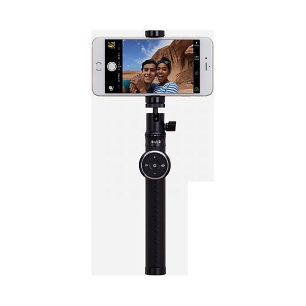 Премиум монопод+трипод Momax Selfie Pro 90см ЧерныйМоноподы<br>Один из самых качественный, стильных и продуманных моноподов для селфи, которым пользуются даже голивудские знаменитости         Устройство изготовленно из авиационного алюминия, что делает его прочным, монолитным и одновременно легким. Рукоятку покрывает кожа, придающая аксессуару изысканности а владельцу приятных эмоций от пользования. Стильный мешочек для хранения и дорогая подарочная упаковка дополняют картину премиального аксессуара               Помимо смартфонов, вы можете использовать устройство с фото- и видеокамерами благодаря винту 1/4 дюйма, а такой же паз в рукоятке позволит устанавливать монопод на штатив          Дистанционный пульт управления, работающий по Bluetooth совместим с Android и iOs и позволяет делать фото, записывать видео, приближать и отдалять, менять камеры с основной на фронтальную и даже управлять воспроизведением музыки. Для его полноценной работы доступно бесплатное фирменное приложение, с помощью которого вы сможете сделать селфи обыкновенным жестом, не нажимая никаких кнопок           С функциональной точки зрения все тоже на высшем уровне. Длина монопода регулируется от 20 до 90 сантиметров. Фиксатор для смартфона поддерживает большинство устройств на рынке. В комплекте с моноподом поставляется миниатюрная тринога.               ХАРАКТЕРИСТИКИ:     длина 20-90 см   совместим с iOs и Android   для смартфонов диагональю до 6 дюймов   Bluetooth 4.0 пульт<br>