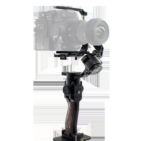 Стедикам электронный Tilta G2XСтедикамы<br>Стедикам электронный Tilta G2X.           Компактный и удобный профессиональный стабилизатор Tilta G2X для впечатляющей и динамичной профессиональной съемки. Он отлично подойдет к вашему смартфону, зеркальной, беззеркальной или экшн камере. В сравнении с G1, стабилизатор стал значительно компактнее и легче, не потеряв при этом мощность моторов. Модель G2X имеет уникальное наклонное плечо, благодаря чему дисплей камеры не загорожен во время работы и появляется возможность вешать камеру в любую сторону. Стабилизатор оснащен уникальным мощным угловым двигателем, позволяющим работать в нестандартном положении без вреда для устройства и качества вашей работы   .    .       Стедикам имеет 4 стандартных режима работы, а также может быть подключен к приложению TILTA Assistant на вашем смартфоне посредством Bluetooth. Через приложение вы можете получить еще больше возможностей в настройке и управлении своим стабилизатором! В нем вы можете откалибровать работу устройства, скорость работы моторов, включить режим таймера и даже обновить прошивку устройства  .         .       G2X имеет функцию быстрой балансировки и автоматической калибровки, для того чтобы вы могли не тратить драгоценное время съемки на настройку стабилизатора вручную. А если вы настроили стедикам под себя, то устройство запомнит ваши установки и автоматически перейдет к ним при следующем включении  .         .       На ручке присутствуют два крепления типа ARRI Rosette Mount, позволяющее вам расширить функционал стедикама, установив на него дополнительные устройства под ваши потребности  .    .<br>