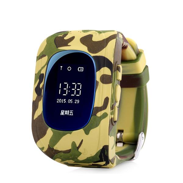 Детские GPS часы трекер Wonlex Q50 Camo DesertДетские GPS часы<br>Wonlex Q50 - самая популярная модель детских GPS часов на Российском рынке в 2016 году и давайте рассмотрим почему         Во-первых яркий и броский дизайн, который не оставит равнодушным ни одного ребенка. Большой LCD дисплей отображает текущее время, дату, день недели, сигнал сотовой сети. Для отслеживания ребенка необходимо установить micro sim карту с положительным балансом на счету. Разумеется меню часов и инструкция переведены на русский язык. Часы являются водостойкими и не боятся душа и дождя. Итак давайте рассмотрим функционал:                 ОТСЛЕЖИВАНИЕВ любой момент времени с высокой точностью вы можете отследить местоположение вашего ребенка с компьютера, смартфона или планшета, а так же историю его передвижений       ЗВОНКИВ любой момент времени вы можете поговорить с вашим чадом, совершив звонок прямо на часы, которые имеют динамик и микрофон. Кроме того вы можете без уведомления ребенка послушать что происходит вокруг него. Кроме того ребенок может связаться с вами сам. На кнопку 1 программируется телефон мамы, на кнопку 2 - папы например                 КНОПКА SOSДля экстренной ситуации ребенку достаточно нажать одну тревожную кнопку           ФИТНЕС БРАСЛЕТКроме того часы наделены функциями фитнес браслета: они подсчитывают количество пройденных шагов, сожженных калорий и качество сна малыша               Если ребенок решит снять часы с руки, вы немедленно получите уведомление. Если настроен маршрут (есть и такая возможность), вы так же получите уведомление в случае значительного отклонения от него         В купе с невероятно демократичной ценой, вы попросту не найдете лучший вариант на рынке. Этим объясняется успех данной модели               ГАРАНТИЯ kremlinstore является официальным поставщиком компании Wonlex на территории Российской Федерации. На все продукты компании распростаняется гарантия 12 месяцев с момента покупки.<br>
