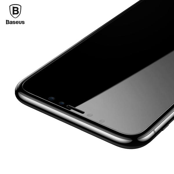Стекло защитное Baseus 0.15mm Ultra Slim Tempered Glass для iphone XСтёкла<br>ТОНКОЕ И ПРОЧНОЕНовое защитное стекло для iPhone X невероятно малую толщину в 0.15мм и прочность 9Н, что практически соответствует прочности алмаза. Помимо защиты это означает, что само стекло практически не царапается          СОВМЕСТИМО С ЧЕХЛАМИ  За счет того, что стекло не на 100% покрывает плоскость дисплея, вы можете использовать практически любые чехлы. Стекла с полным покрытием не совместимы с множеством качественных кейсов на рынке                    ПРОСТОЕ В УСТАНОВКЕ   Особая структура и покрытие позволяют с легкостью наклеить стекло даже не опытному пользователю. Просто положите его по центру дисплея, предварительно очистив его инструментами, идущими в комплекте. Далее разгладьте от центра к краям. Всё               КОМПЛЕКТ ДЛЯ ЧИСТКИ СМАРТФОНАПомимо стекла, в комплект поставки входят наклейки для удаления пылинок и влажная салфетка для очистки дисплея перед установкой стекла. Кроме того вы получите тряпочку из микрофибры и жироудаляющую жидкость                ОСОБЕННОСТИ:     толщина 0.15мм   совместимость: iPhone X   жесткость: 9H   чистящие средства в комплекте<br>