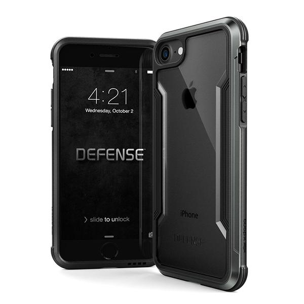 X-Doria Defense Shield - противоударный кейс для iPhone 7/8 ЧерныйЧехлы<br>ПРЕМИУМВ конструкции X-Doria Defence Shield используются высококлассные материалы, среди которых аэрокосмический алюминий, ударостойкий поликарбонат и термопластичный полиуретан, умело скомпонованные в изысканную конструкцию, безупречно собранную в единое целое без каких-либо швов и зазоров. Кейс идеально повторяет форму смартфона, являясь не только надежной защитой, но и украшением           ЗАЩИТА ПО ВОЕННОМУ СТАНДАРТУБлагодаря бамперу из высокопрочного и легкого аэрокосмического алюминия, комбинированного с плотным амортизирующим силиконом и ударостойким поликарбонатом, Defence Shield обладает беспрецедентными защитными свойствами, подтвержденными Американским военным стандартом соответствия MIL-STD-810G. С X-Doria Dexense Shield смартфону не страшны падения с 3-х метровой высоты на твердую поверхность. При этом даже дисплей смартфона защищает небольшой выступ за его плоскость                 УСИЛИТЕЛЬ ГРОМКОСТИОсобая конструкция чехла в районе динамика перераспределяет направление звука к пользователю, делая его гораздо более громким           ПОЖИЗНЕННАЯ ГАРАНТИЯПроизводитель настолько уверен в качестве и защитных свойствах кейса, что предлагает на него пожизненную гарантию, что беспрецедентно                 ХАРАКТЕРИСТИКИ:     защита от падения с 3х метровой высоты (сертифика MIL_STD-810G)   пожизненная гарантия производителя   материалы: аэрокосмический алюминий, пермополеуретан   усилитель звука   не блокирует беспроводную зарядку<br>