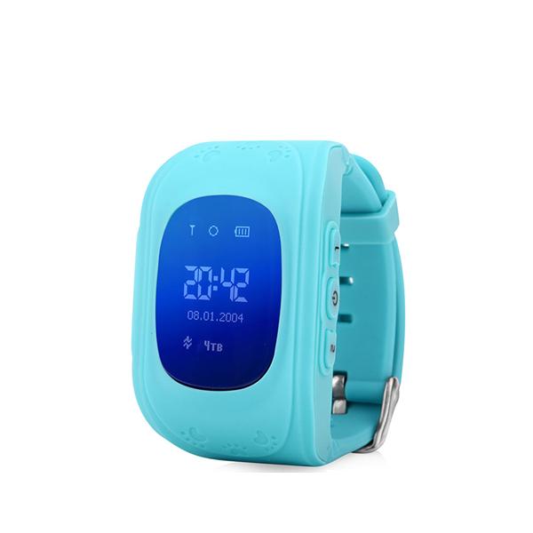 Детские GPS часы трекер Wonlex Q50 ГолубыеДетские GPS часы<br>Wonlex Q50 - самая популярная модель детских GPS часов на Российском рынке в 2016 году и давайте рассмотрим почему        Во-первых яркий и броский дизайн, который не оставит равнодушным ни одного ребенка. Большой LCD дисплей отображает текущее время, дату, день недели, сигнал сотовой сети. Для отслеживания ребенка необходимо установить micro sim карту с положительным балансом на счету. Разумеется меню часов и инструкция переведены на русский язык. Часы являются водостойкими и не боятся душа и дождя. Итак давайте рассмотрим функционал:                ОТСЛЕЖИВАНИЕВ любой момент времени с высокой точностью вы можете отследить местоположение вашего ребенка с компьютера, смартфона или планшета, а так же историю его передвижений       ЗВОНКИВ любой момент времени вы можете поговорить с вашим чадом, совершив звонок прямо на часы, которые имеют динамик и микрофон. Кроме того вы можете без уведомления ребенка послушать что происходит вокруг него. Кроме того ребенок может связаться с вами сам. На кнопку 1 программируется телефон мамы, на кнопку 2 - папы например                КНОПКА SOSДля экстренной ситуации ребенку достаточно нажать одну тревожную кнопку          ФИТНЕС БРАСЛЕТКроме того часы наделены функциями фитнес браслета: они подсчитывают количество пройденных шагов, сожженных калорий и качество сна малыша              Если ребенок решит снять часы с руки, вы немедленно получите уведомление. Если настроен маршрут (есть и такая возможность), вы так же получите уведомление в случае значительного отклонения от него        В купе с невероятно демократичной ценой, вы попросту не найдете лучший вариант на рынке. Этим объясняется успех данной модели              ГАРАНТИЯ kremlinstore является официальным поставщиком компании Wonlex на территории Российской Федерации. На все продукты компании распростаняется гарантия 12 месяцев с момента покупки.<br>